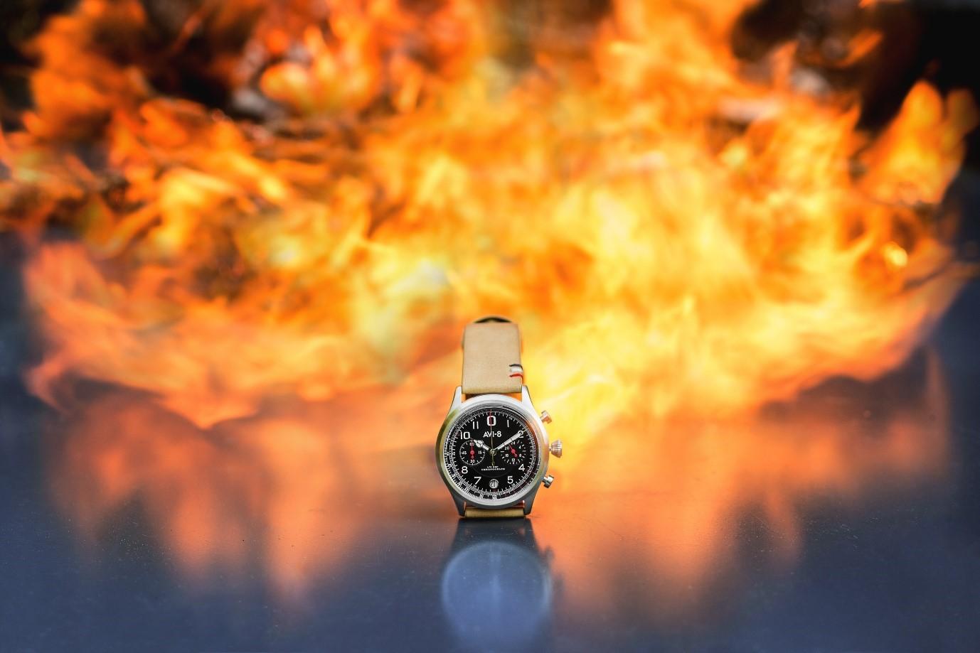 AV8 Watch