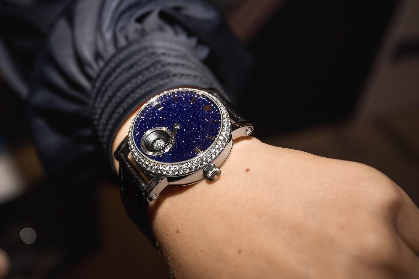 Christiaan van der Klaauw wrist watch