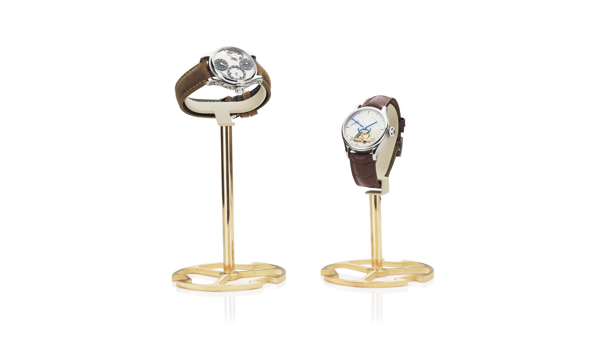 Garrick wristwatch display stand